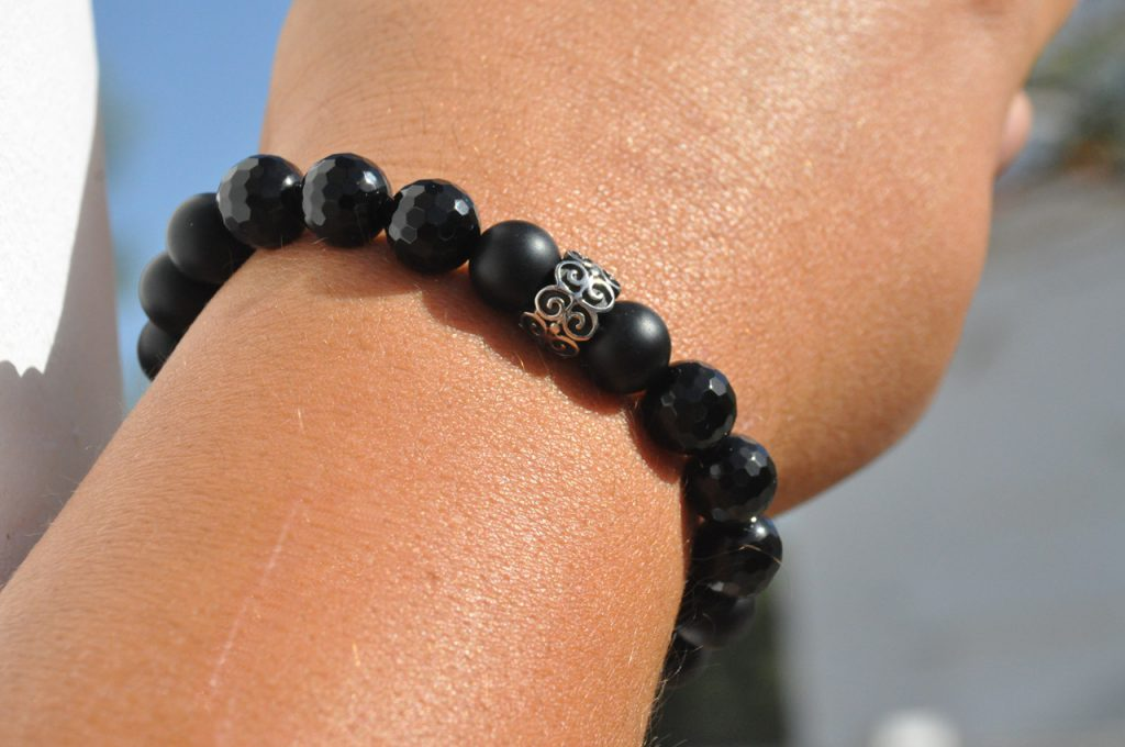 1STone Obsidian matte & Agate faceted