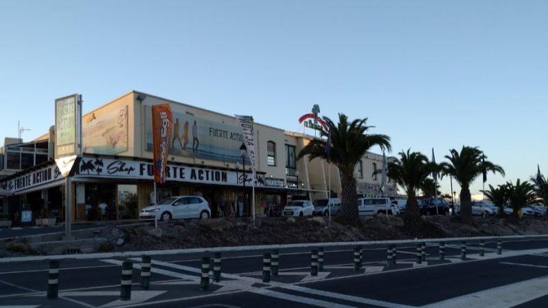 Shopping Center El Palmeral Street Crossing 1