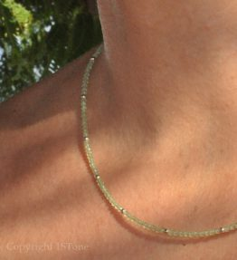 Ladies delicate faceted 2mm Peridot Gemstone Necklace by 1STone Custom Jewelry Fuerteventura Canary Islands_closeup